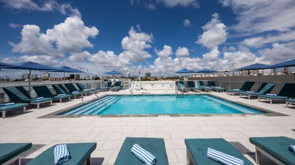 Piscina en South Beach en The President Hotel